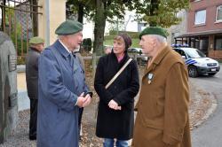 le médecin-colonel Hre G. Deneffe, E. de Lelys et Brigitte Borboux
